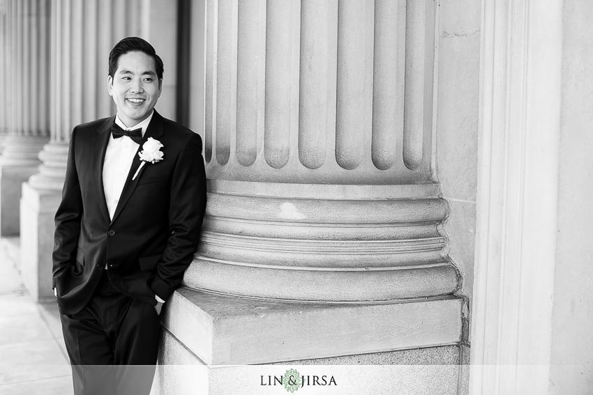 04-millennium-biltmore-hotel-los-angeles-wedding-photographer-groom-wedding-day-portrait