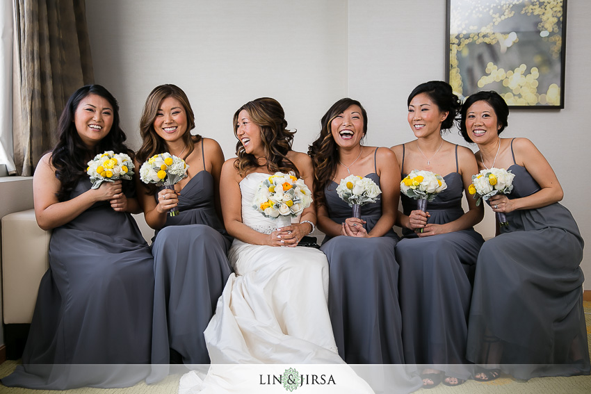 04-petersen-automotive-museum-los-angeles-wedding-photographer-bride-and-bridesmaids