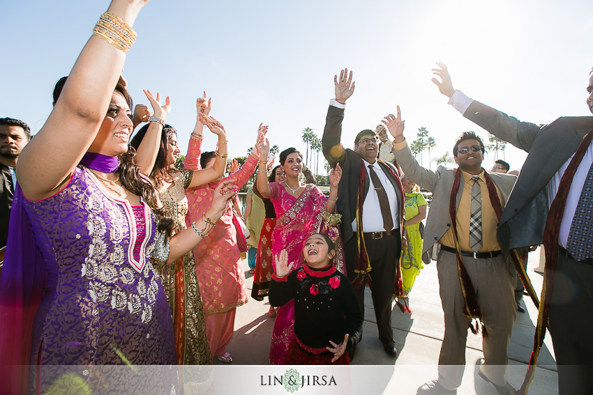 08-hyatt-long-beach-indian-wedding-photographer-baraat-photos