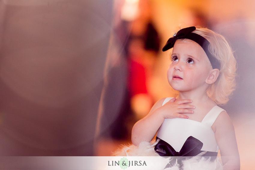 09-balboa-bay-club-newport-beach-wedding-photography-cute-flower-girl-photo