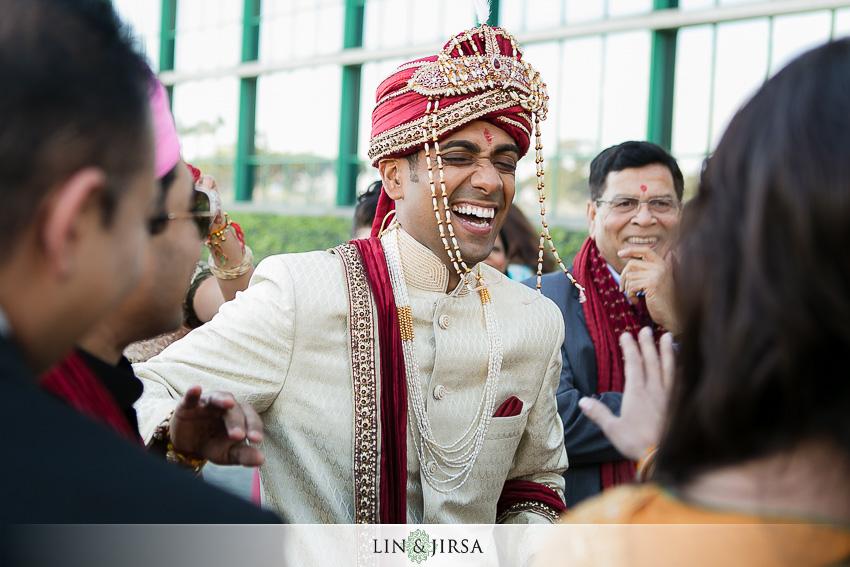 09-hyatt-long-beach-indian-wedding-photographer-baraat-photos