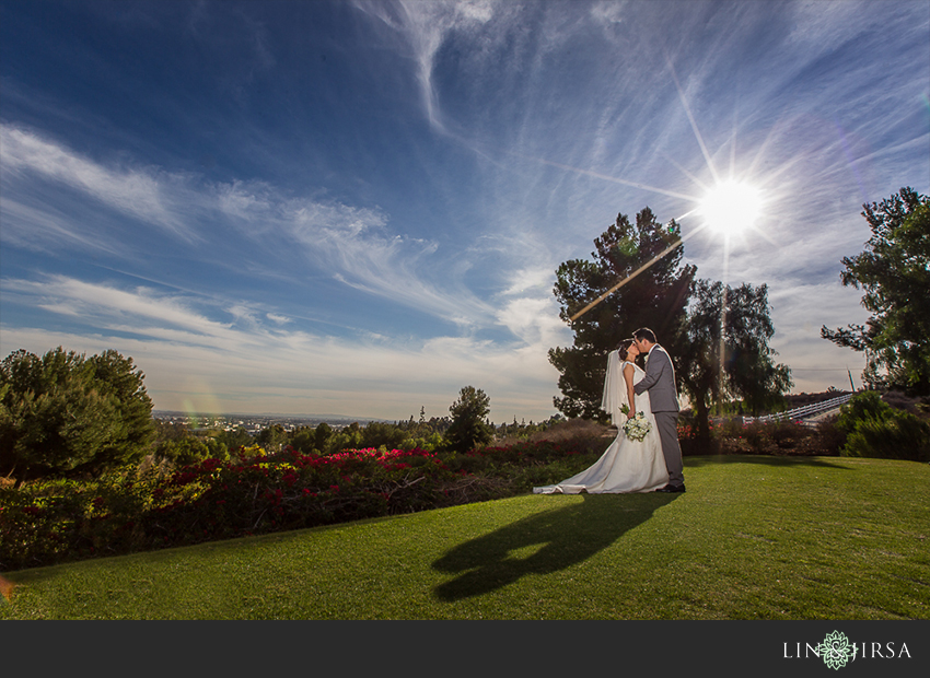 11-summit-house-fullerton-wedding-photographer-wedding-day-pictures