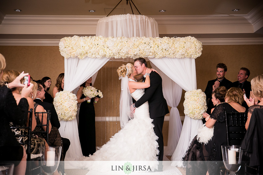 13-balboa-bay-club-newport-beach-wedding-photography-first-kiss-photos
