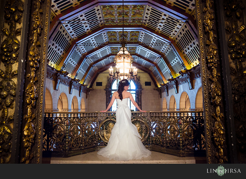 13-millennium-biltmore-hotel-los-angeles-wedding-photographer-beautiful-bride-portrait