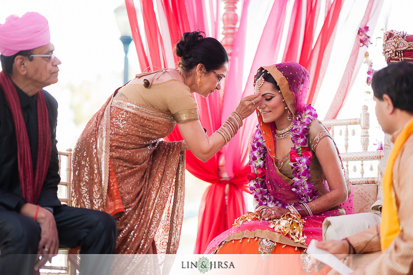 14-hyatt-long-beach-indian-wedding-photographer-beautiful-indian-ceremony-photos