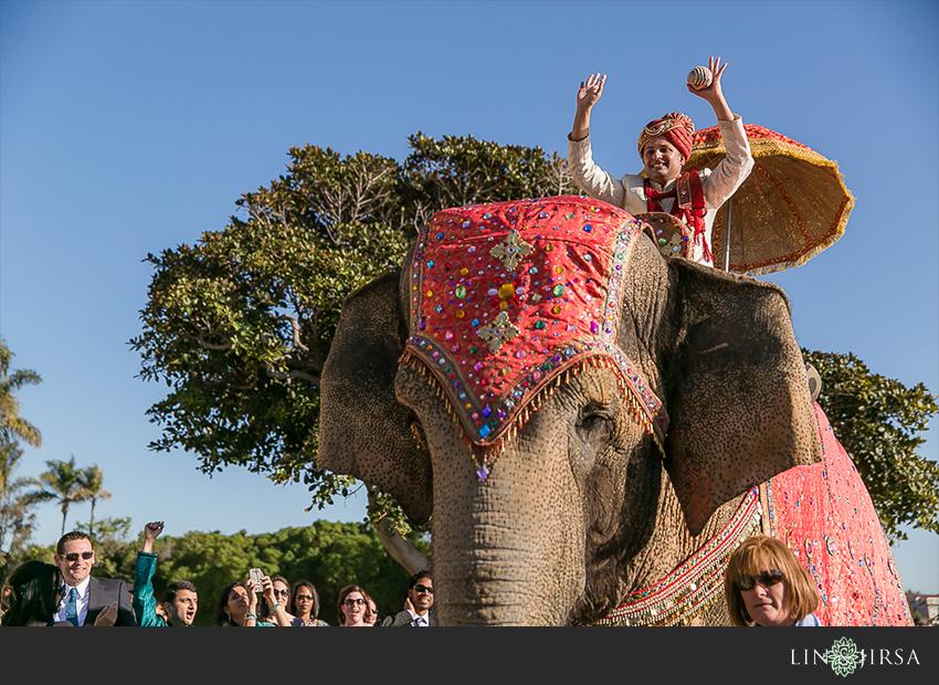 18-ritz-carlton-laguna-niguel-indian-wedding-photographer-fun-baraat-photos