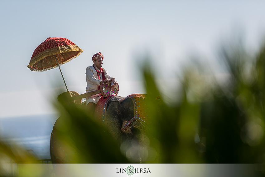 19-ritz-carlton-laguna-niguel-indian-wedding-photographer-fun-baraat-shots