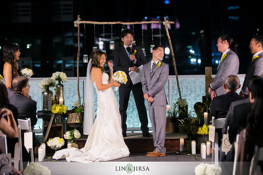 21-petersen-automotive-museum-los-angeles-wedding-photographer-beautiful-night-time-wedding-ceremony-photos