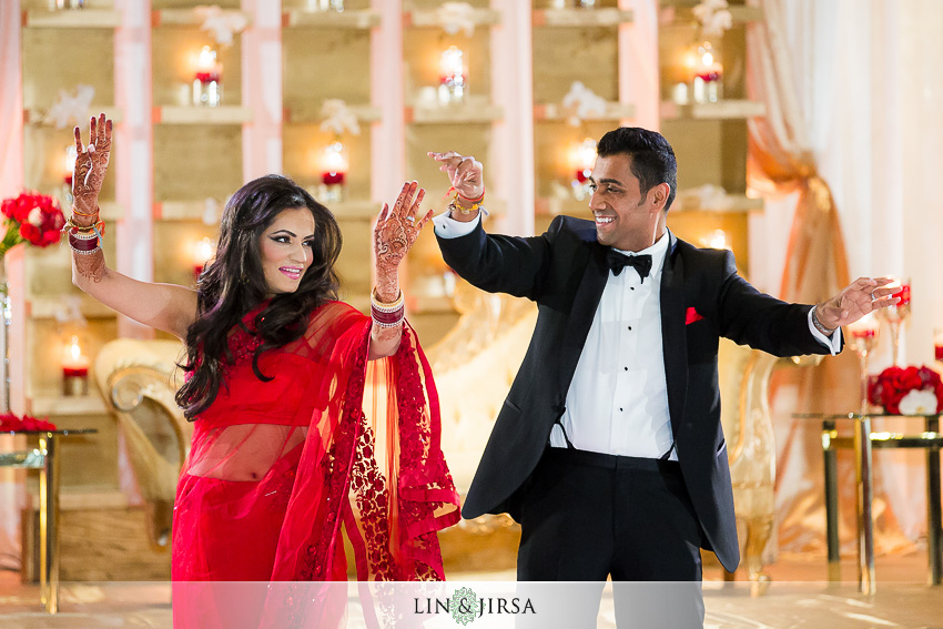 24-hyatt-long-beach-indian-wedding-photographer-first-dance-photos