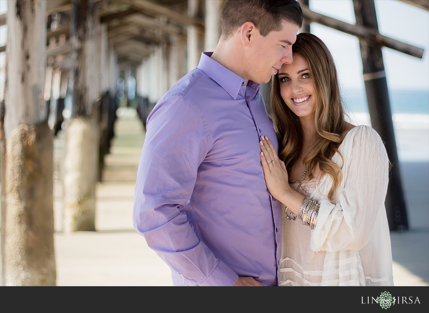 01-love-is-in-the-air-engagement-photos