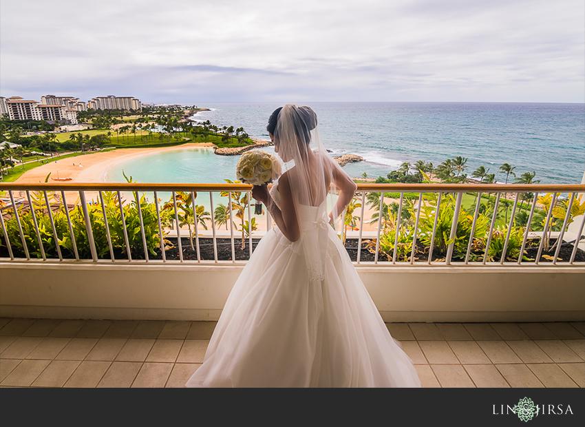 04-jw-marriott-ihilani-ko-olina-hawaii-wedding-photographer-bride-portrait-wedding-day