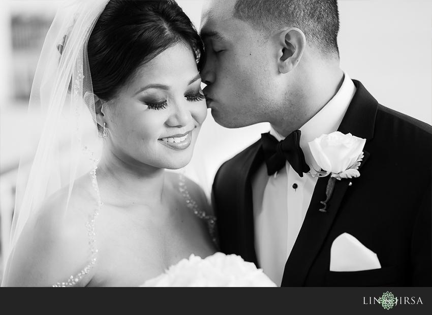 08-jw-marriott-ihilani-ko-olina-hawaii-wedding-photographer-bride-and-groom-wedding-day-photos