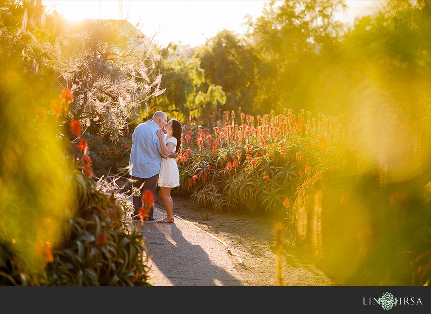 09-gorgeous-laguna-beach-engagement-photographer