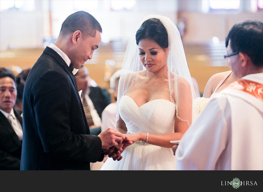 09-jw-marriott-ihilani-ko-olina-hawaii-wedding-photographer-catholic-wedding-ceremony-photos