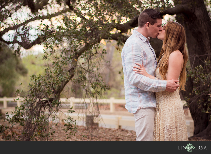 13-love-is-in-the-air-engagement-photos
