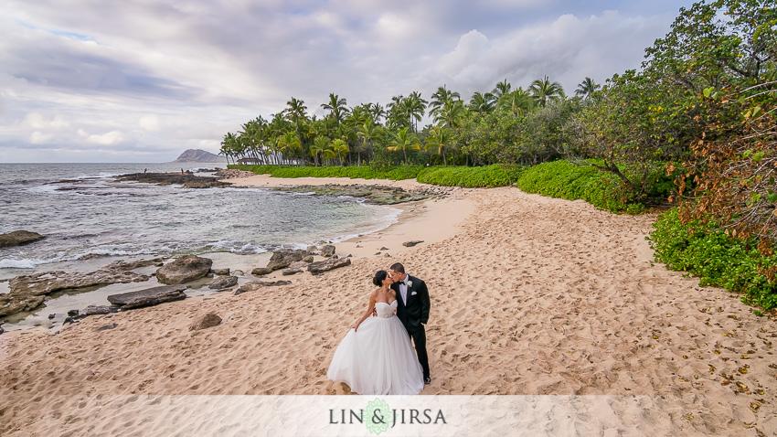 14-jw-marriott-ihilani-ko-olina-hawaii-wedding-photographer-romantic-hawaii-wedding-photos