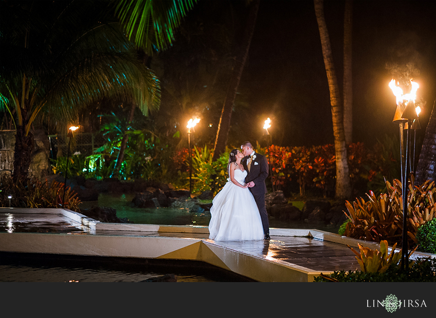 30-jw-marriott-ihilani-ko-olina-hawaii-wedding-photographer-beautiful-night-time-wedding-day-photos