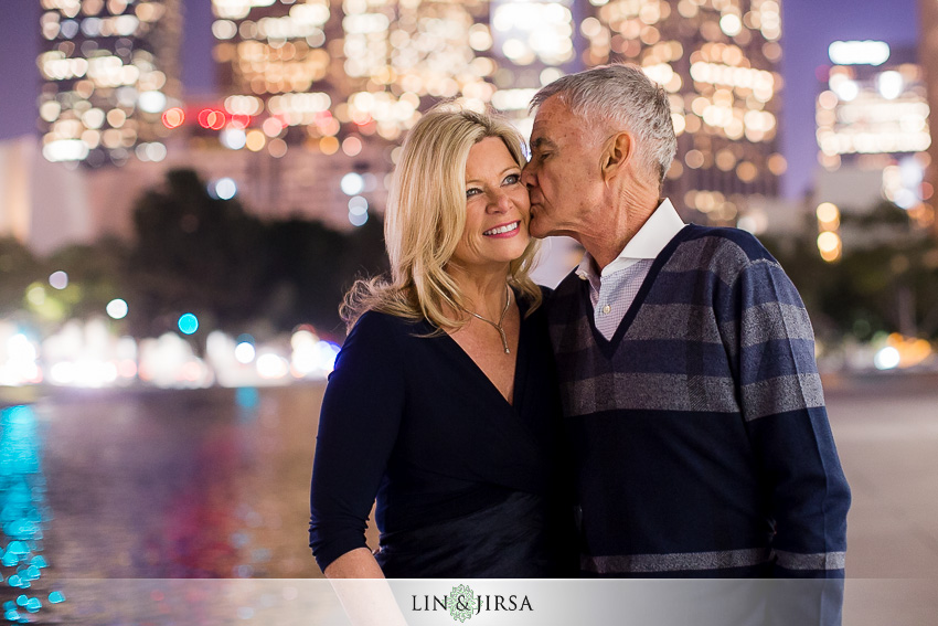 09-gorgeous-downtown-los-angeles-night-time-engagement-photos