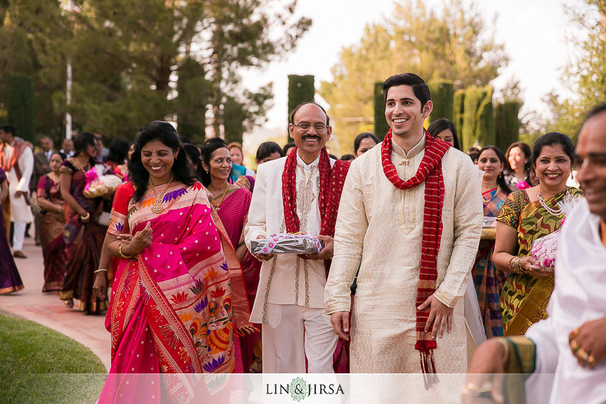 01-los-angeles-engagement-ceremony-photographer