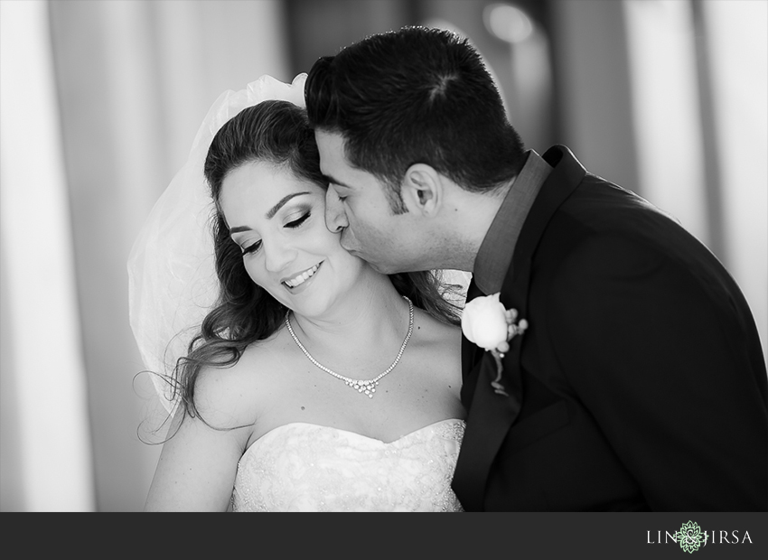08-hyatt-huntington-beach-orange-county-wedding-photographer