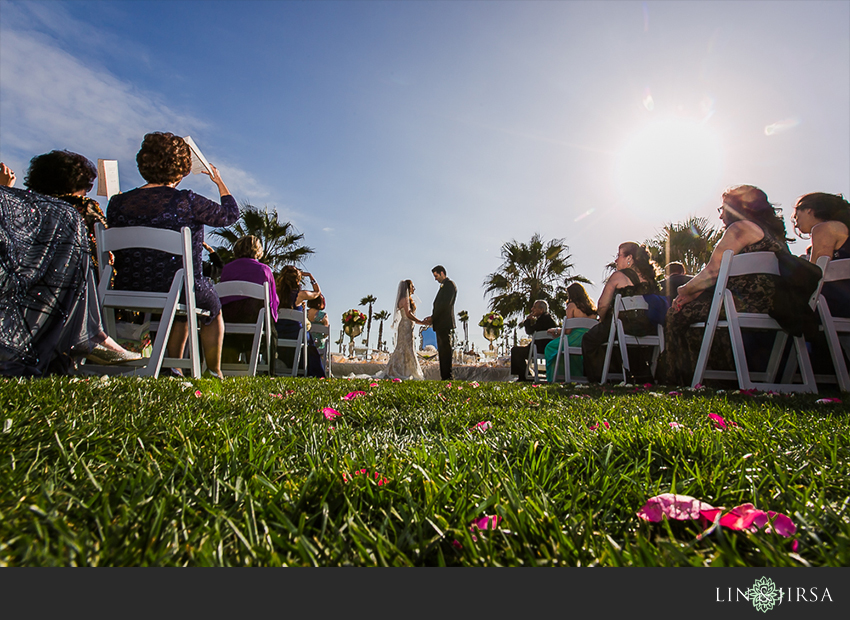 15-hyatt-huntington-beach-orange-county-wedding-photographer-wedding-ceremony