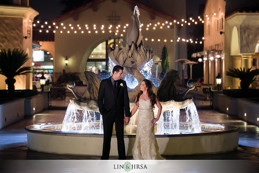 29-hyatt-huntington-beach-orange-county-wedding-photographer-gorgeous-night-time-bride-and-groom-wedding-photos