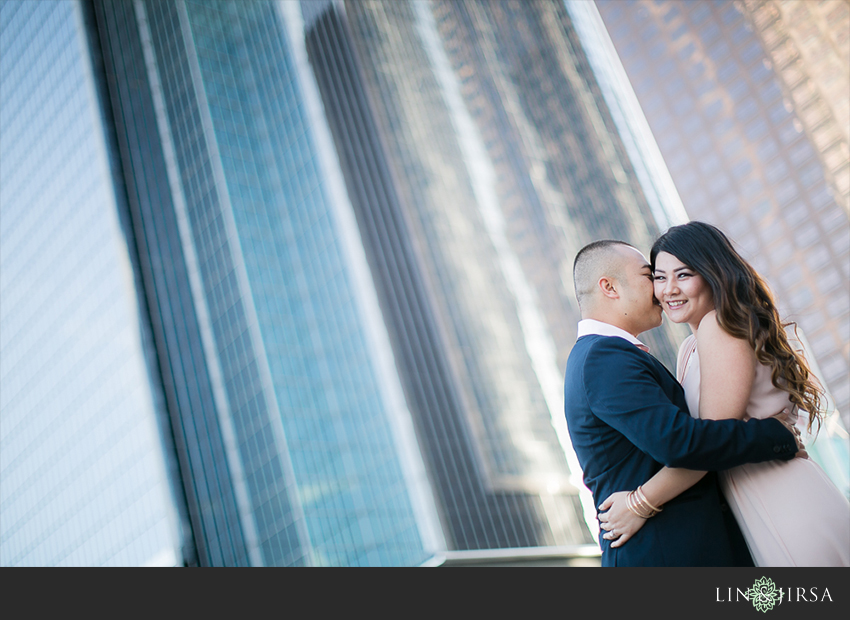 07-fun-downtown-los-angeles-sunset-engagement-photos