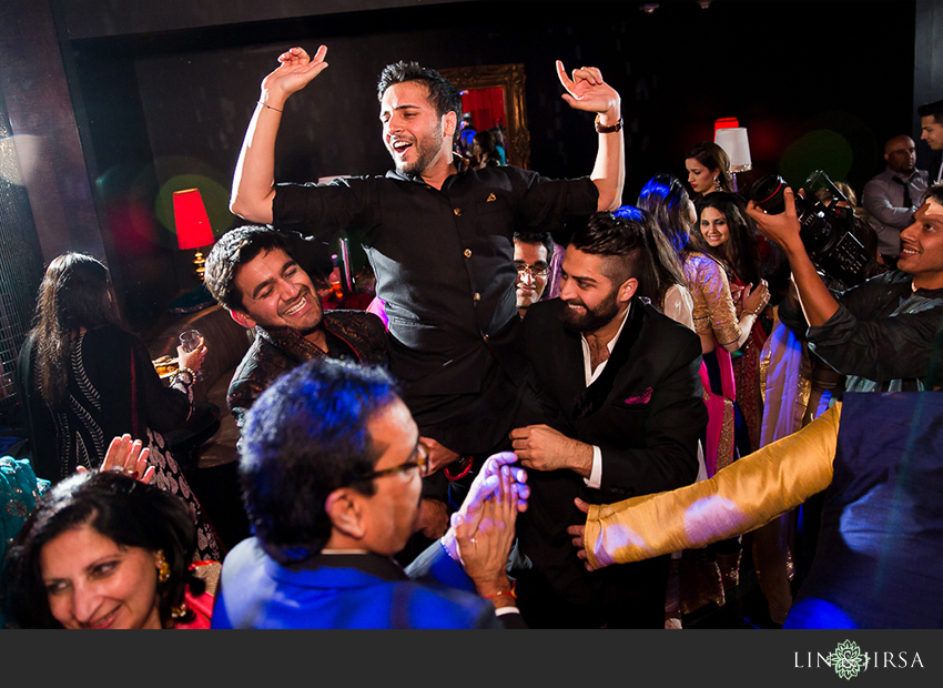12-mehndi-party-w-hollywood-photos