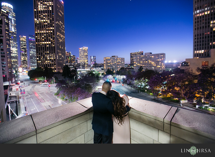 14-fun-downtown-los-angeles-sunset-engagement-photos
