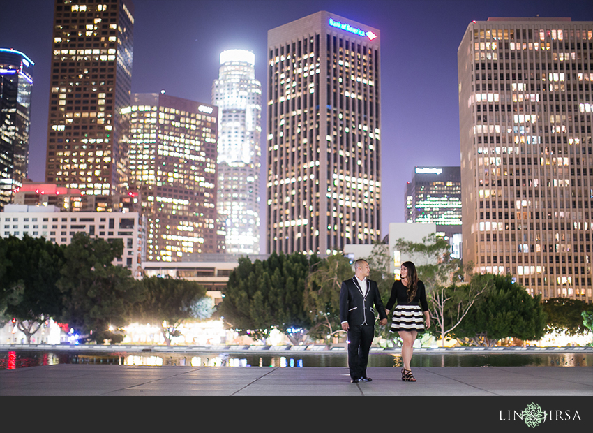15-fun-downtown-los-angeles-sunset-engagement-photos