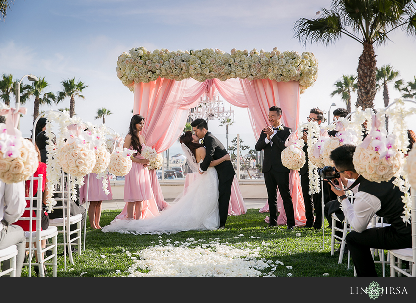 18-hyatt-regency-huntington-beach-wedding-photos