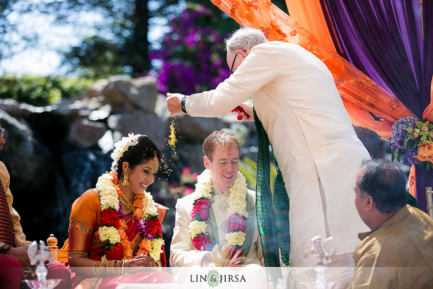 15-gorgeous-four-seasons-westlake-village-indian-ceremony-photos