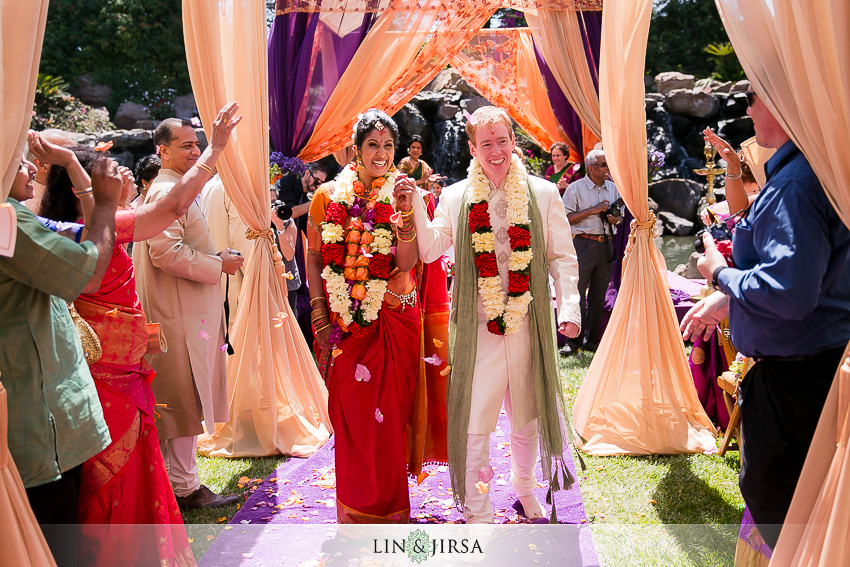 19-gorgeous-four-seasons-westlake-village-indian-ceremony-photos