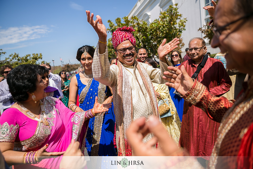 12-beautiful-baraat-wedding-photos