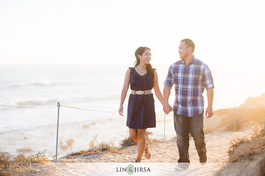 13-fun-romantic-crystal-cove-engagement-photographer