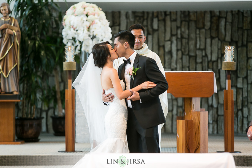 17-gorgeous-christ-cathedral-wedding-photos