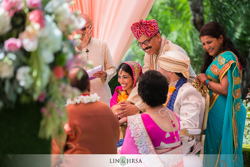 20-beautiful-baraat-wedding-photos