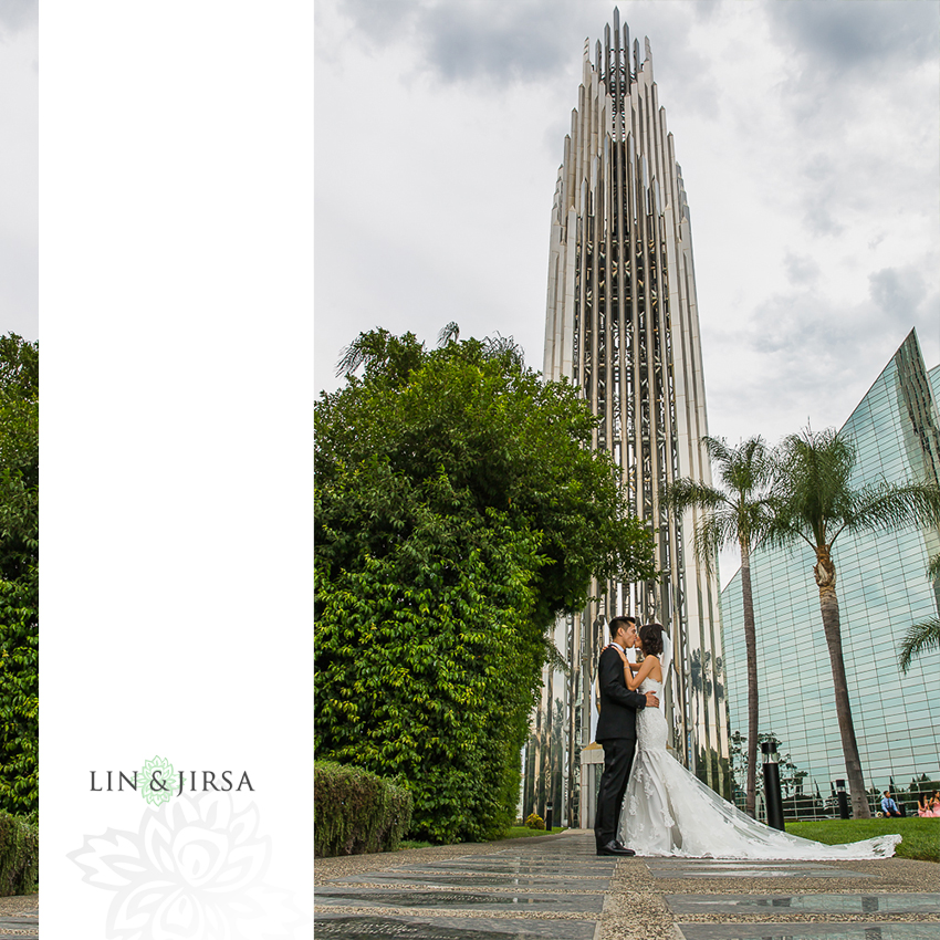 21-gorgeous-christ-cathedral-wedding-photos