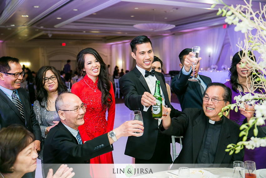 31-hilton-irvine-hotel-wedding-photos