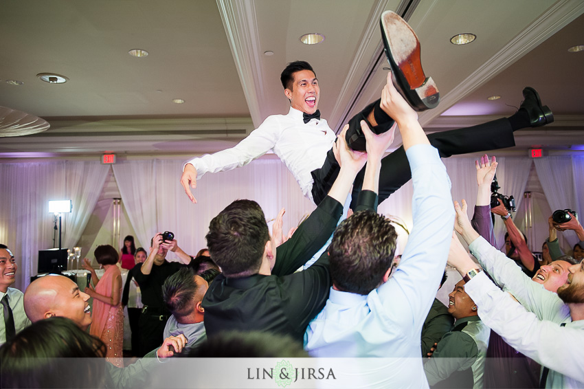 41-hilton-irvine-hotel-wedding-photos