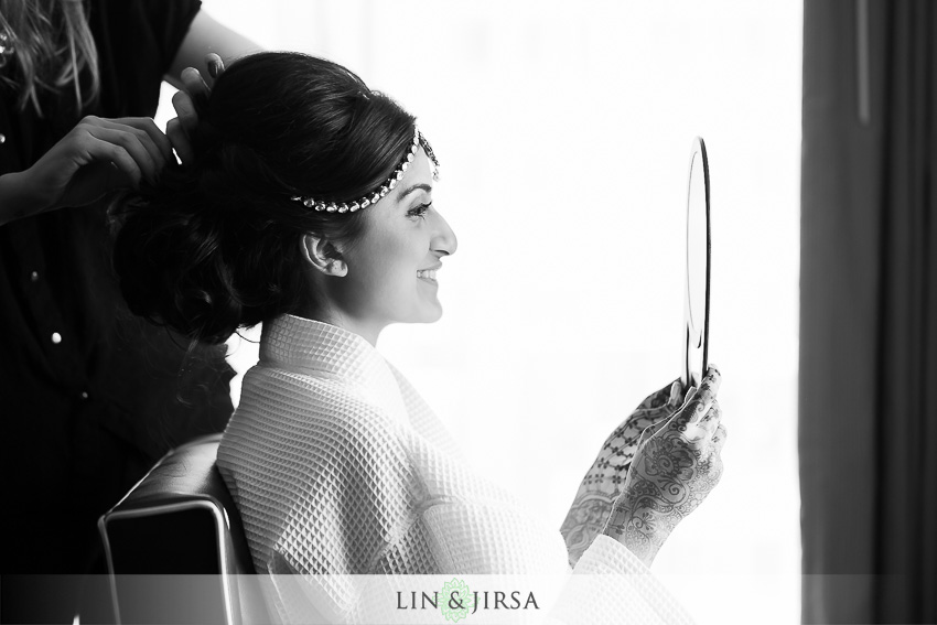 02-walt-disney-concert-hall-indian-wedding-getting-ready-photos