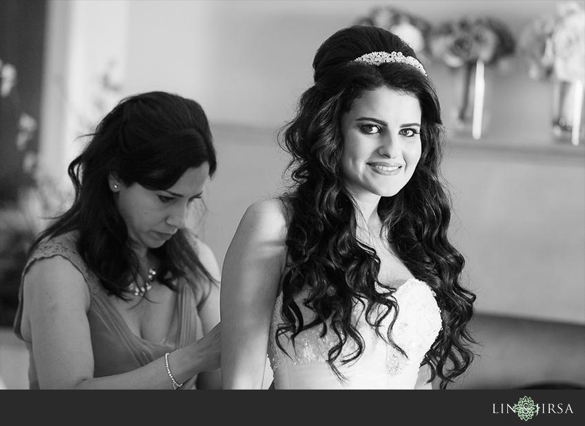 03-balboa-bay-club-newport-beach-wedding-photographer-getting-ready-photos