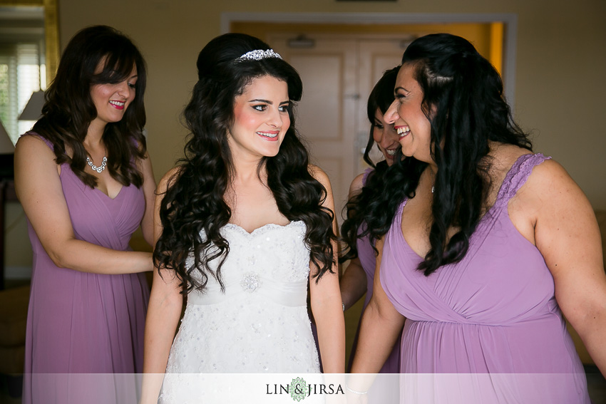 04-balboa-bay-club-newport-beach-wedding-photographer-getting-ready-photos