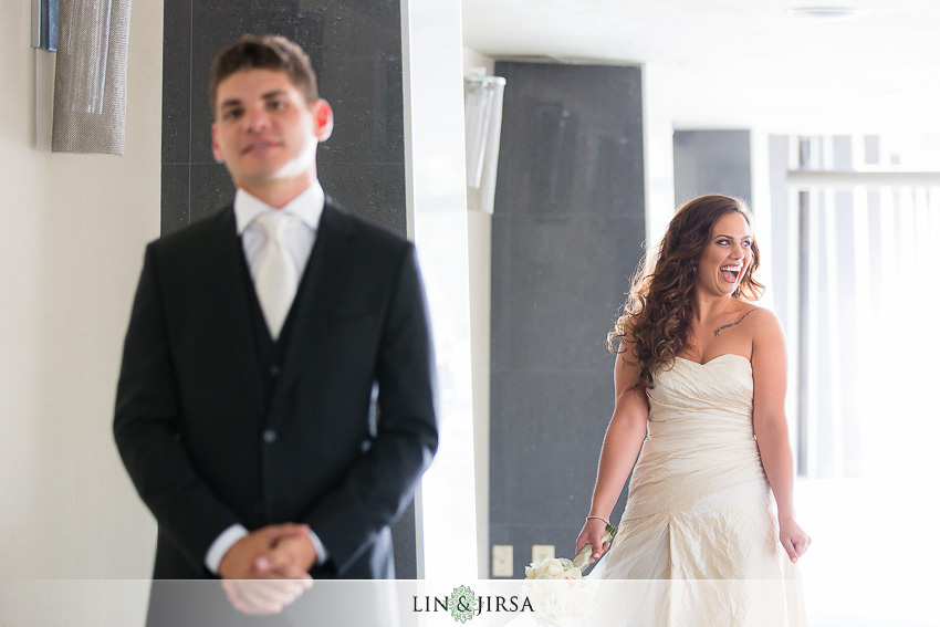 05-oviatt-penthouse-los-angeles-wedding-photographer-first-look-photos