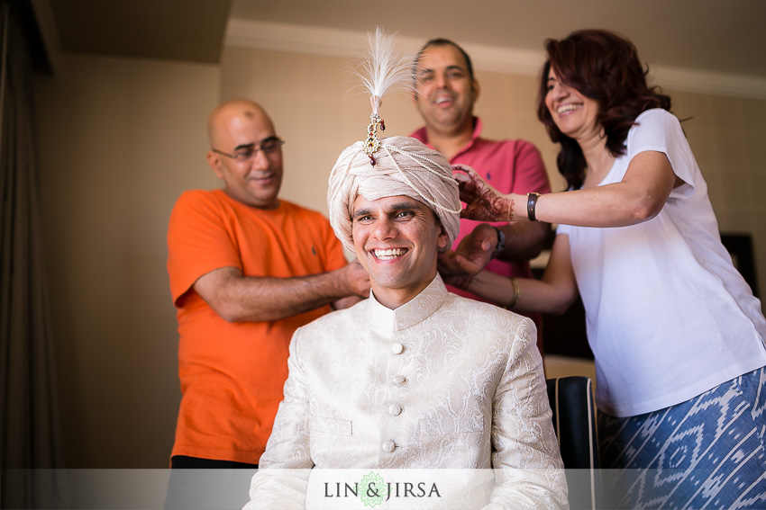 07-walt-disney-concert-hall-indian-wedding-getting-ready-photos