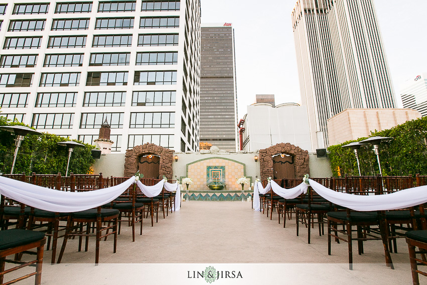 12-oviatt-penthouse-los-angeles-wedding-photographer-wedding-ceremony-detail-photos
