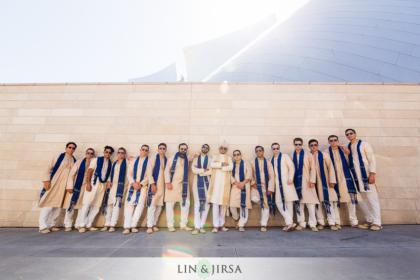 14-walt-disney-concert-hall-indian-wedding-party-photos