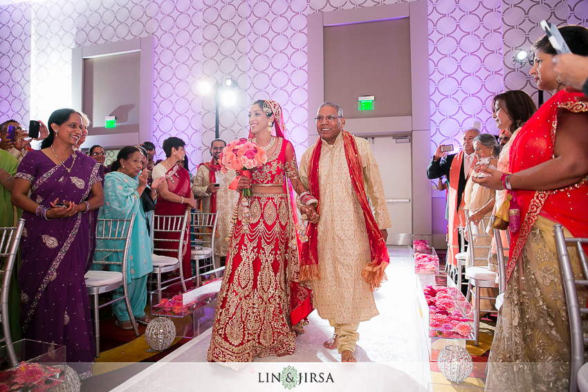 15-jw-marriott-los-angeles-indian-wedding-ceremony-photographer