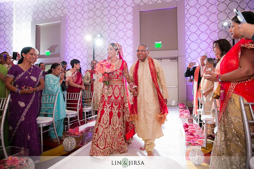 15-jw-marriott-los-angeles-indian-wedding-ceremony-photographer