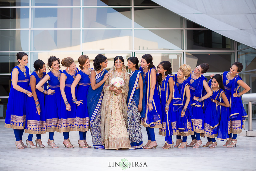 15-walt-disney-concert-hall-indian-wedding-party-photos